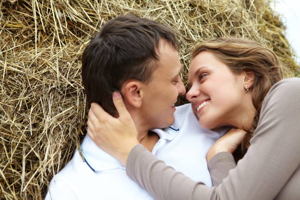 77 Ways to CREATE Attraction for a Woman post image